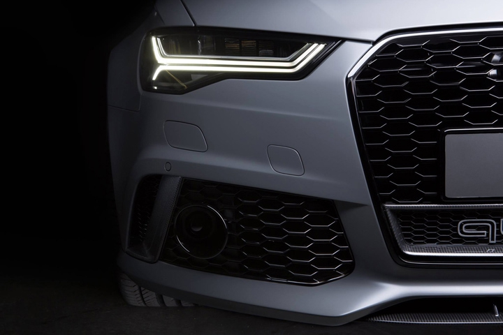 RS6 Car Front